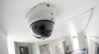 Cámara CCTV instalada en Barcelona